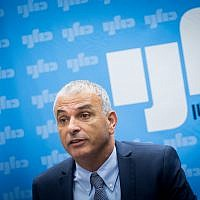 Kulanu leader Moshe Kahlon leads a faction meeting in the Israeli parliament on May 7, 2018. (Miriam Alster/Flash90)