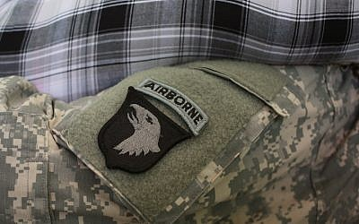 The uniform of the US Army's 101st Airborne Division, March 21, 2015. (Luke Sharrett/Getty Images)