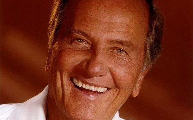 Evangelical Christian singer Pat Boone joins local singers and celebs to celebrate Israel's 70th at a Jerusalem Day concert on Sunday, May 13, 2018 (Courtesy Harry Langdon)