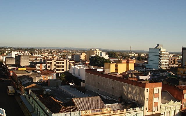 Skyline of Pelotas, Brazil. (CC BY-SA Gustavo.kunst, Wikimedia Commons)