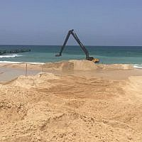 Construction equipment working on an undersea barrier near Israels border with the Gaza Strip. (Defense Ministry)