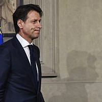 Italy's prime ministerial candidate Giuseppe Conte leaves after a meeting with Italy's President Sergio Mattarella on May 27, 2018, at the Quirinale presidential palace in Rome.  (AFP PHOTO / Vincenzo PINTO)