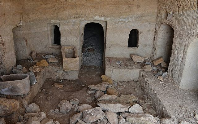 Central chamber of a three-room 2,000-year-old burial cave near Tiberias, June 2018. (Miki Peleg, Israel Antiquities Authority)
