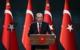 Turkish President Recep Tayyip Erdogan speaks during a press conference at the Presidential Complex in Ankara, on April 18, 2018. (AFP PHOTO / ADEM ALTAN)