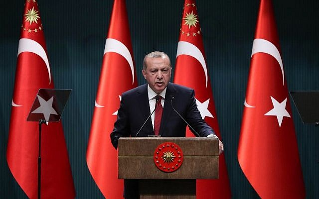 Turkish President Recep Tayyip Erdogan speaks during a press conference at the Presidential Complex in Ankara, on April 18, 2018. (AFP/Adem Altan)