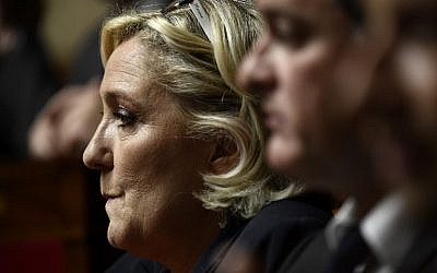 President of the French far-right Front National (FN) party and member of Parliament Marine Le Pen looks on during a session of questions to the government at the French National Assembly, in Paris, on May 29, 2018. ( AFP PHOTO / Philippe LOPEZ)
