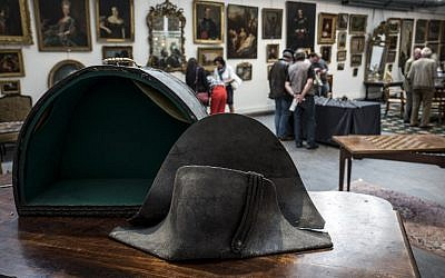 This picture taken on June 14, 2018 in Lyon, southern France, shows the hat allegedly attributed to Emperor Napoleon I (AFP PHOTO / JEAN-PHILIPPE KSIAZEK)
