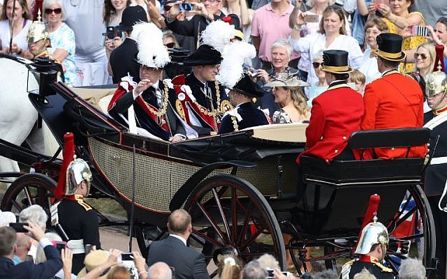 (L-R) Britain's Prince Andrew, Duke of York, Britain's Prince William, Duke of Cambridge, Britain's Prince Edward, Earl of Wessex and Britain's Sophie, Countess of Wessex attend the Most Noble Order of the Garter Ceremony at St George's Chapel, Windsor Castle in Windsor, west of London on June 18, 2018. (AFP PHOTO / POOL / Chris Jackson)