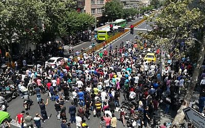 Iranian protesters in central Tehran on June 25, 2018. (AFP Photo/Atta Kenare)