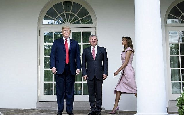 US President Donald Trump, left  and Jordan's King Abdullah II walk to the Oval Office of the White House June 25, 2018, in Washington, DC. (Brendan Smialowski/AFP)