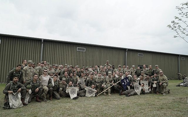 Israeli paratroopers pose alongside American soldiers during the US-led Swift Response exercise in Europe in June 2018. (Israel Defense Forces)