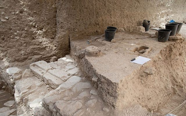 June 2018 excavations at the Givati Parking Lot site in the City of David of an Abbasid period layer. (Eliyahu Yanai, City of David Archives)
