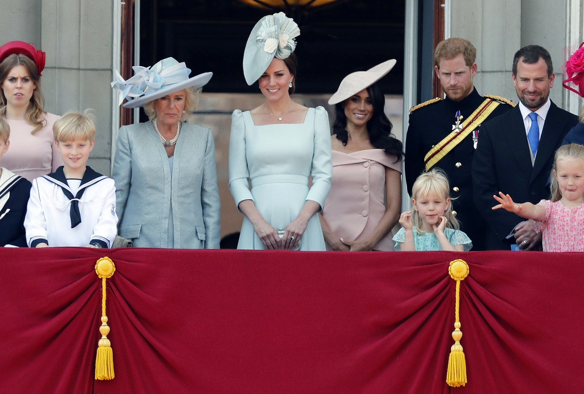 With Meghan Markle's first balcony appearance, her new royal life truly begins