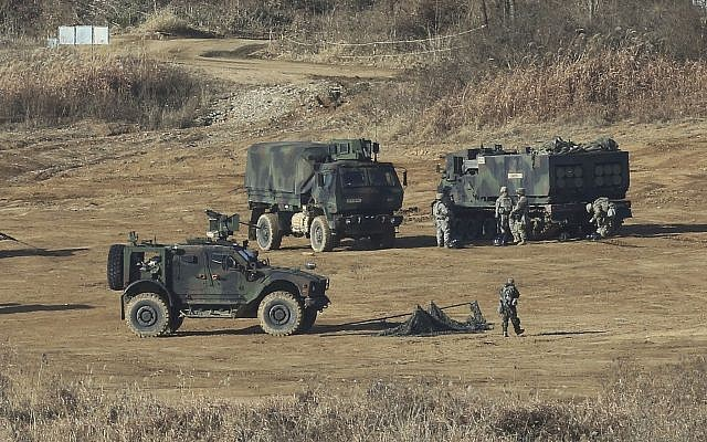 US Army soldiers conduct military exercises in Paju, South Korea, near the border with North Korea, November 29, 2017. (AP Photo/Ahn Young-joon)