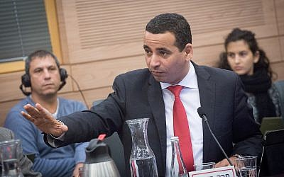 Zionist Union MK Yoel Hasson attends a Knesset committee meeting on November 30, 2017. (Miriam Alster/Flash90)