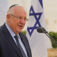 President Reuven Rivlin speaks at the annual memorial service for the victims of the Altalena attack, in Tel Aviv on May 30, 2018. (Marc Israel Sellem/Pool)