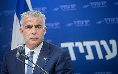 Yesh Atid chairman Yair Lapid leads his weekly faction meeting in the Knesset, June 4, 2018. (Miriam Alster/Flash90)