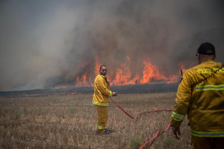 Feuerdrachen vernichten Negev Honigfarmen kurz vor Rosh Hashanah