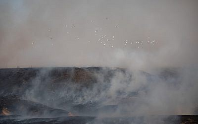 View of a fire at a nature reserve caused from kites flown by Palestinian protesters, near the border with the Gaza Strip, June 5, 2018. (Yonatan Sindel/Flash90)