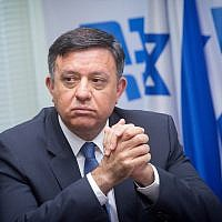 Zionist Union head Avi Gabbay leads a faction meeting at the Knesset on June 18, 2018. (Miriam Alster/Flash90)