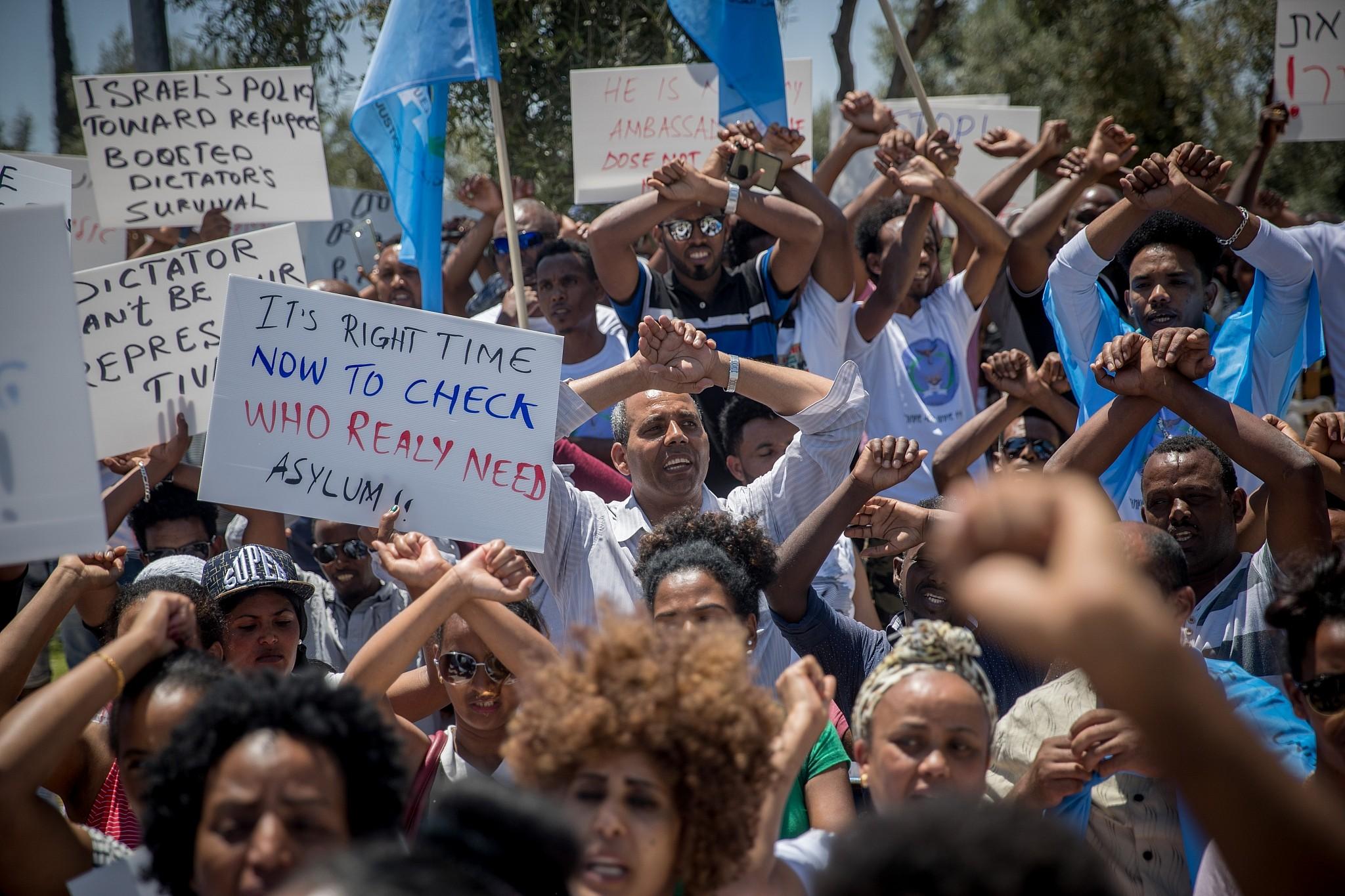Busty eritreans women