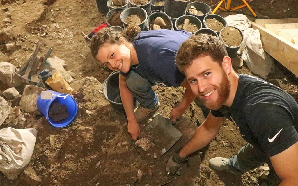 Herbert W. Armstrong students digging at the Ophel excavations in 2018. (Eilat Mazar)