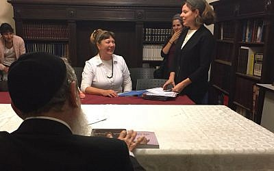 A private rabbinical court dissolves the marriage of Tzviya Gorodetsky in June 2018 (Courtesy of the Center for Women's Justice/Rachel Stomel)