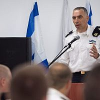 Maj. Gen. Eli Sharvit at ceremony as Israel Navy awards soldiers for clandestine activities in enemy territories, intelligence successes (Courtesy of IDF Spokesperson's Unit)