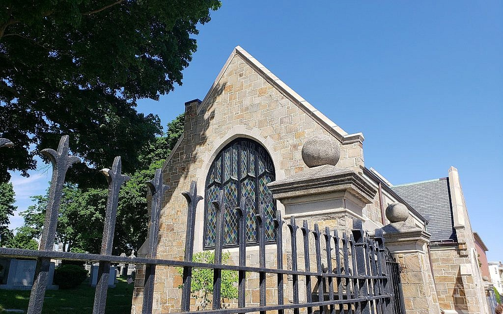 Viewed from Wordsworth Street in East Boston, Massachusetts, the burial chapel of Ohabei Shalom Cemetery, June 10, 2018 (Matt Lebovic/The Times of Israel(