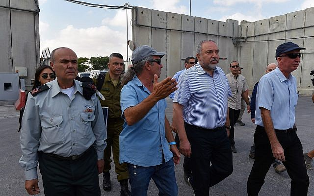 Defense Minsiter Avigdor Liberman visits the Kerem Shalom Crossing on July 22, 2018. (Ariel Hermoni/Defense Ministry)