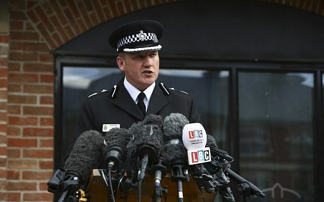 Deputy Chief Constable Paul Mills give a statement to the media outside the Bowman Centre in Amesbury, north of Salisbury, southern England, on July 4, 2018. (AFP/Geoff Caddick)