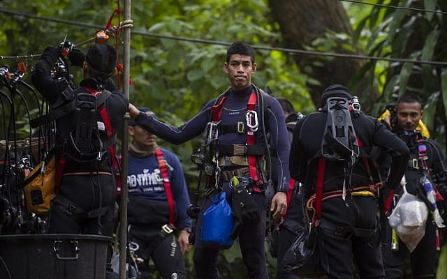 Headcam footage shows tough Thailand cave rescue conditions