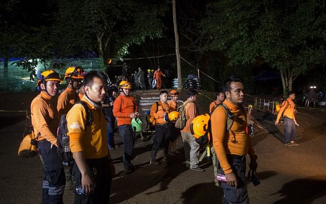 Trapped boys not yet ready to dive out, Thai rescuers say