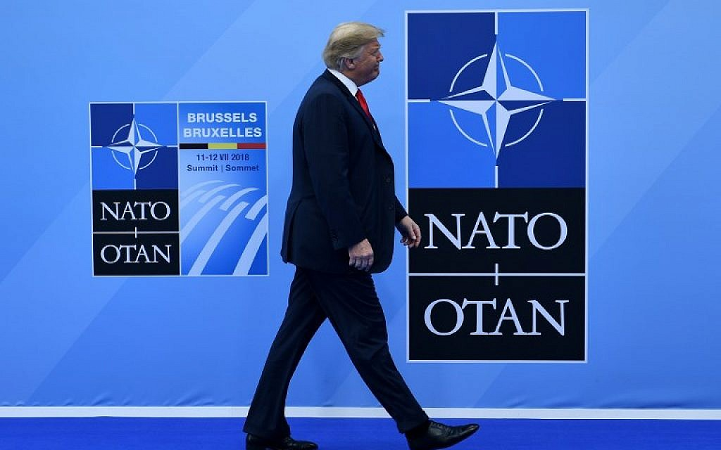 US President Donald Trump arrives to attend the NATO (North Atlantic Treaty Organization) summit, in Brussels, on July 11, 2018.  (AFP PHOTO / Brendan Smialowski)
