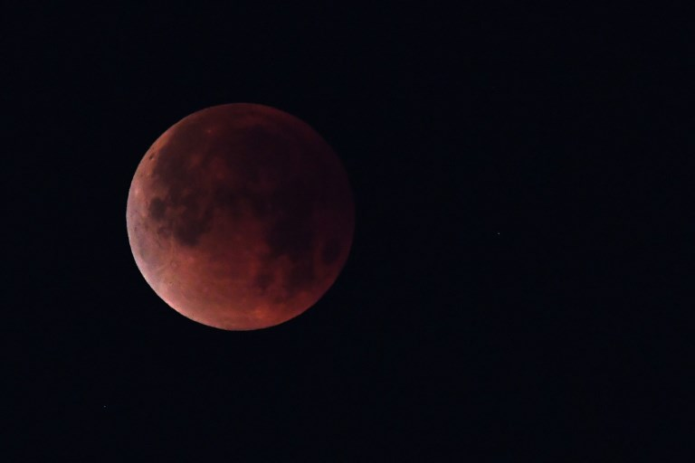 The 'super blue blood moon&#039 is seen over Los Angeles California