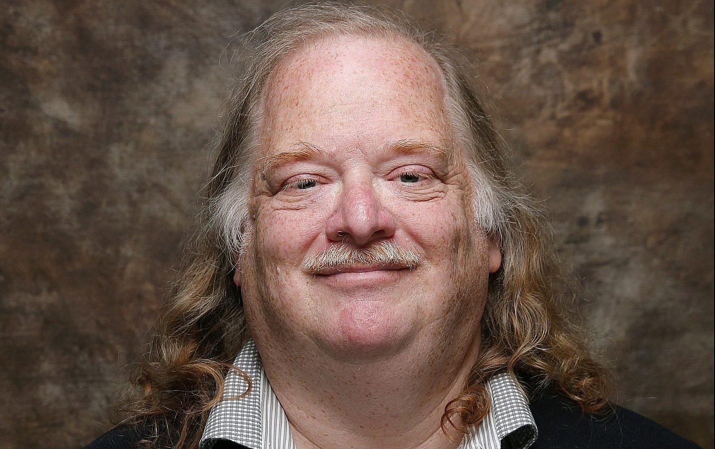Jonathan Gold, Pulitzer Prize-winning restaurant critic, dies, LA Times says