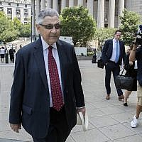 Former New York Assembly Speaker Sheldon Silver arrives at federal court in New York, Friday, July 27, 2028. Silver, the former New York Assembly speaker who brokered legislative deals for two decades before corruption charges abruptly ended his career, will be sentenced for a second time Friday. (AP Photo/Mary Altaffer)