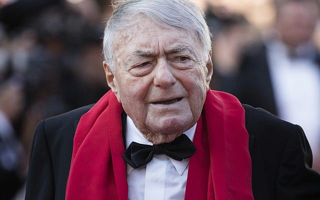 Claude Lanzmann poses for photographers upon arrival at the premiere of the film 'The Man Who Killed Don Quixote' and the closing ceremony of the 71st international film festival, Cannes, southern France, Saturday, May 19, 2018. (Photo by Vianney Le Caer/Invision/AP)