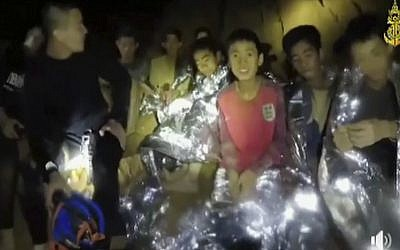 First two of the 12 boys in Thai cave have been rescued