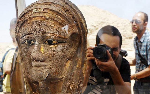 Egypt Archaeologists Discover Mummification Workshop