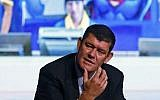 Melco Crown Entertainment co-chairman James Packer speaks during a news conference of the Studio City project in Macau, October 27, 2015. (Kin Cheung/AP)