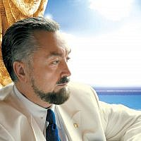 "Turkish ""televangelist"" Adnan Oktar on March 31, 2010. (CC-BY-SA-4.0,3.0,2.5,2.0,1.0 Harun Yahya International/Wikipedia)"