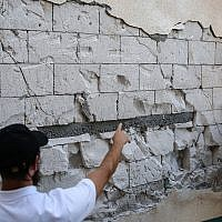 Damage caused to houses in the city of Tiberias in northern Israel after earthquakes shook the area, July 9, 2018. (David Cohen/ Flash90)