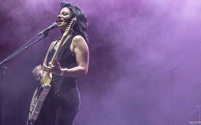 Israeli rocker Ninette opened for Alanis Morissette at her July 30, 2018 concert at the Rishon Lezion Live Park (Courtesy Shlomo Pinto)