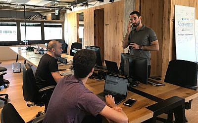 Entrepreneurs at work at Barclay's RISE accelerator in Tel Aviv, June 25, 2018 (Shoshanna Solomon/Times of Israel)