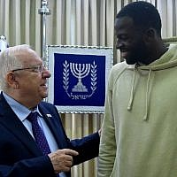 Golden State Warriors forward Draymond Green meets with Israeli President Reuven Rivlin in Jerusalem, July 4, 2018. (GPO)