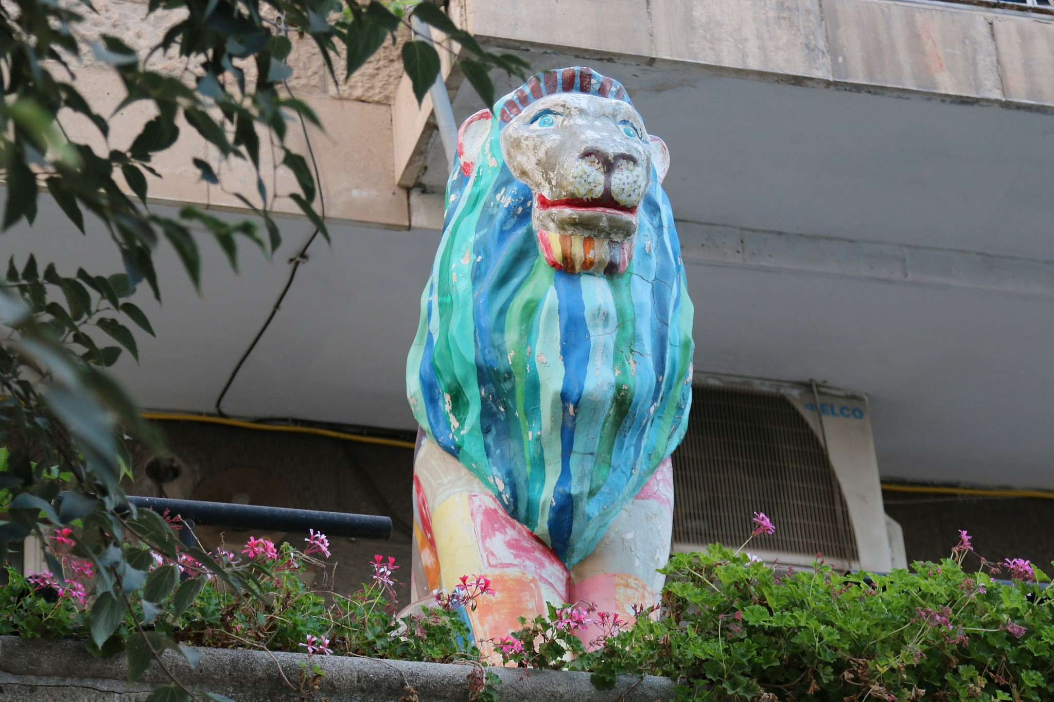 One of the 80 lions from 2003's charity auction, still on the loose in the city (Shmuel Bar-Am)