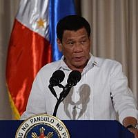 Philippine President Rodrigo Duterte delivers his speech to officials at Malacanang palace in Manila on August 6, 2018. (AFP PHOTO / TED ALJIBE)