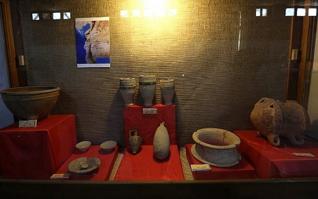 pottery pieces are displayed at the Idlib Museum after it reopened on August 13, 2018 in the northern Syrian city of Idlib. (AFP PHOTO / OMAR HAJ KADOUR)
