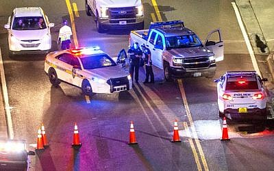 A heavy police presence remained into the night at the shooting outside Jacksonville Landing on August 26, 2018 in Jacksonville, Florida. (Mark Wallheiser/Getty Images/AFP)